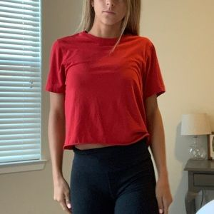 Red cropped short sleeve tee